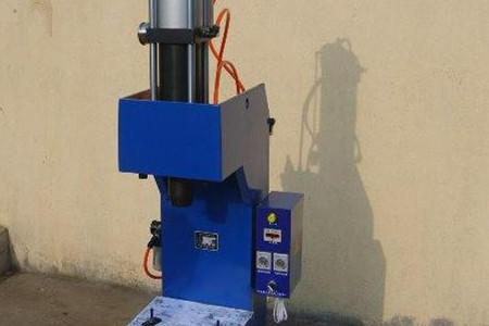 液压铆钉机的液压系统油温过高的原因